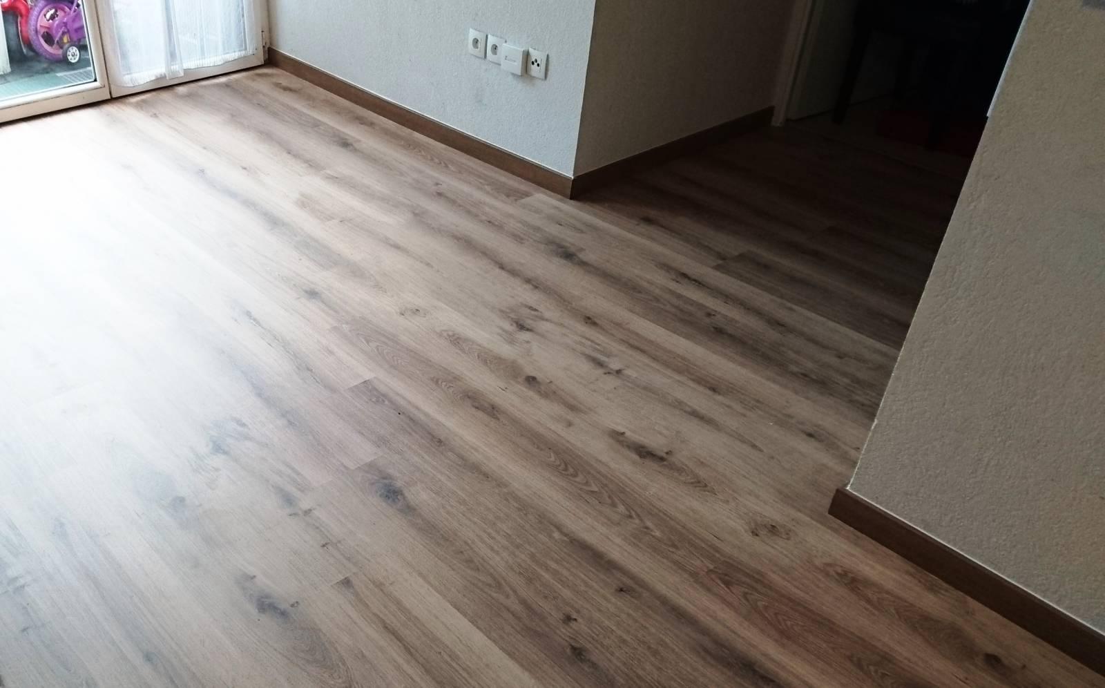 Pose de sol pvc imitation parquet Bordeaux Chartrons - Entreprise de rénovation d'intérieur à ...